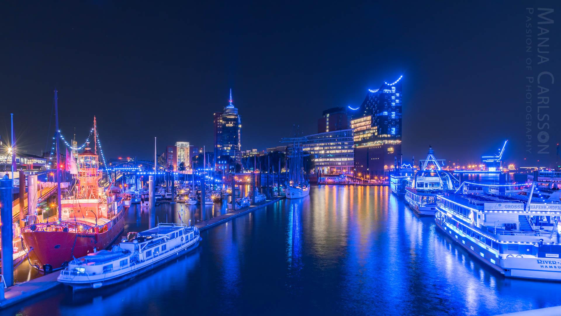 Fotospot Überseebrücke - Blick auf den Niederhafen mit Elbphilharmonie