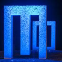Puerta sin puerta (Kan Yasuda) in Garachico – blaues Licht