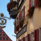 Rothenburg ob der Tauber - Hausschild - Marien-Apotheke
