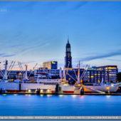 Hamburg Skyline - Hamburger Michel - Schiff Cap San Diego - Überseebrücke